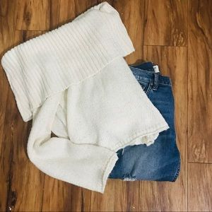 Aerie Cream Cowlneck Sweater - S